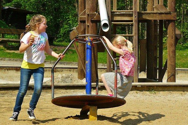 budowa placu zabaw dla dzieci